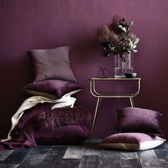 12 ways to introduce Pantone's Colour of the Year 'Ultra Violet' into your home From sofas and beds to cushions and coasters. Home Design, Design Blog, Interior Design, Plum Bedroom, Aubergine Bedroom, Master Bedroom, Purple Interior, Houses, Interiors