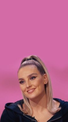 Little Mix Jesy, Little Mix Perrie Edwards, Jesy Nelson, Cute Family, Pretty Words, Cute Wallpapers, Smile, Album, Celebrities