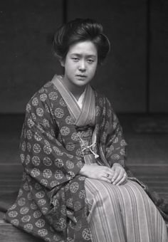 Portrait of Japanese woman [in haori silk jacket over her kimono]. Scanned from glass negative (1920s?).  photography by tokyogaz of Flickr