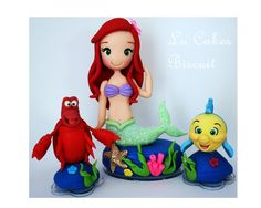 Topo De bolo Ariel <br>Feito em biscuit Little Mermaid Cakes, Ariel The Little Mermaid, Ariel Cake, Polymer Clay Ornaments, Mermaid Room, Disney Little Mermaids, Sugar Craft, Clay Figures, Lalaloopsy