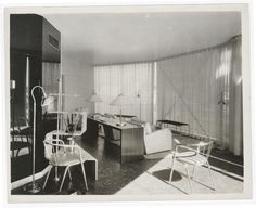 """An interior view of the living room in the """"House of Tomorrow,"""" designed by George Keck for the Home and Industrial Arts exhibit at the Century of Progress World's Fair in Chicago in 1933. (Courtesy Chicago History Museum)"""