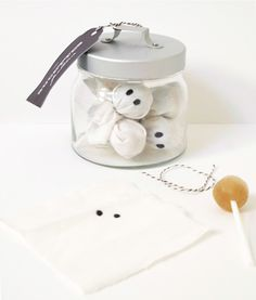 Cute lil' Boo... easy to do over pre-wrapped lollipops.