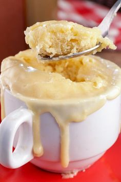 Mug Dessert Recipes, Mug Recipes, Donut Recipes, Sweet Recipes, Dessert Ideas, Yummy Recipes, Microwave Cupcake, Easy Microwave Desserts, Mugs