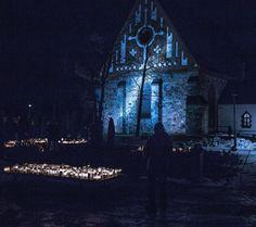 Light the candel and youll remember#christmas #joulukirkko #joulu #christmastime#main_vision #create #createexploretakeover #createcommune #createexplore #christmasspirit#photographyislife #christmas2017#photographylovers #christmaseve #valokuvaus #valokuvaaja #photography #photoshoot#maisema #landscape #landscapes #landscaping #