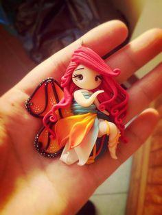 ist diese kleine Schmetterlingselfe nicht absolut zauberhaft?