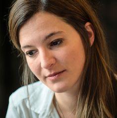 Die Zürcher Regisseurin erzählt in ihren Filmen Frauengeschichten und stellt umweltpolitische Fragen. Im Film malte sie Emily Kempin - Spyri als Heldin - unpathetisch, trotz der nachgestellten Szenen.
