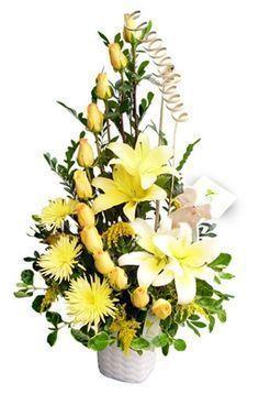Image result for arreglos florales con girasoles y rosas #Adornosflorales #Arreglosflorales