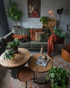 Legal Oak Furniture Living Room – Wohnen und so – eplant Home Living Room, Living Room Designs, Earth Tone Living Room Decor, Earthy Living Room, Hippie Living Room, Earth Tone Decor, Bohemian Living Rooms, Deco Boheme, Aesthetic Rooms