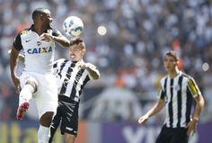 Corinthians vence clássico contra o Santos e segue firme na ponta