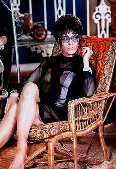 Tara King (Linda Thorson) in the Avengers Spy Shows, Uk Tv Shows, Avengers Girl, New Avengers, Avengers Women, Emma Peel, Linda Thorson, Diana Riggs, Movies And Series
