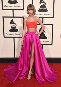 Taylor Swift in Atelier Versace - HarpersBAZAAR.co.uk