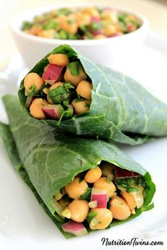 healthy lunches: The Nutrition Twins' chickpea salad wraps High Fibre Lunches, High Fiber Foods, Fiber Diet, Nutrition Sportive, Sport Nutrition, Nutrition Tips, Nutrition Month, Nutrition Quotes, Fitness Nutrition