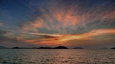 16 June 19:36 博多湾の小焼け(sunset glow)です。 Evening  at  Hakata bay in Japan