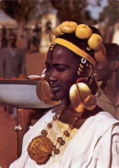 Africa   Fulani woman. Senegal    Scanned postcard; photo Renaudeau.