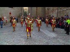 ▶ Desfiles de los Manaies o soldados romanos en Gerona 1 b -