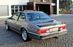 We are a Portuguese Worldwide Classic & Sports Cars dealership. Bmw 635 Csi, Bmw Old, Jeep Cherokee Sport, Super Images, Bmw 6 Series, Bmw Alpina, Bmw Classic, Classic Sports Cars, Pontiac Gto