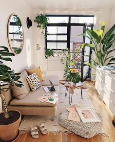 Modern Bohemian Home Interior Decor Ideas. Inspirational Modern Bohemian Home Interior Decor Ideas. Boho Chic Style Living Room Modern Bohemian Home Decor Deco Studio, Home Decor Inspiration, Decor Ideas, Decorating Ideas, Sunroom Decorating, Decor Diy, Interior Design Inspiration, Wall Decor, New Room