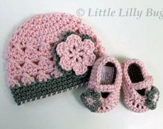 Crochet Chapéu do bebê e Sapatinho Set, rosa e cinza, Baby Hat e Calçados, tamanhos RN, 0-3 meses, 3-6 meses, 6-9 meses, 9-12 meses