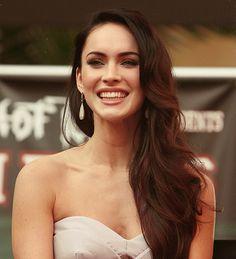 I would kill for Megan Fox's hair =O