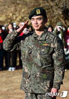 Three Cheers as Yoo Seung Ho Finishes Military Service and Cries Through His Welcome Return