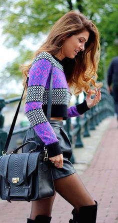 Women's fashion | Patterned crop top, leather skirt and over the knee boots