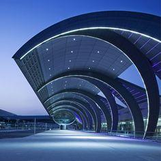 Entrance of Dubai International Airport, UAE. Image courtesy of Dubai Airports via Airport Technology - Hotels Design Architecture Airport Architecture, Architecture Unique, Futuristic Architecture, Interior Architecture, Interior Design, Contemporary Interior, Luxury Interior, Interior Ideas, Pavilion Architecture