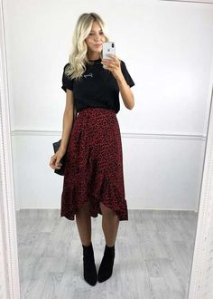 12 Beautiful Midi Skirt Outfits you should try! – Modernista life - 12 Beautiful Midi Skirt Outfits you should try! – Modernista life Source by sarahkumkey - Mode Outfits, Dress Outfits, Fall Outfits, Fashion Outfits, Long Skirt Outfits For Summer, Stylish Outfits, Fashion Skirts, Midi Dresses For Work, Long Skirt Style