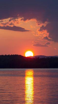 Free Photo of warm, lake, sunset - StockSnap. Sunset Wallpaper, Cute Wallpaper Backgrounds, Nature Wallpaper, Cute Wallpapers, Moon Photography, Amazing Photography, Beautiful Sunset, Beautiful Places, Animes Wallpapers