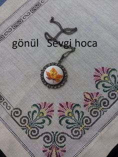 GÖNÜL SEVGİ Hardanger Embroidery, Folk Embroidery, Cross Stitch Embroidery, Machine Embroidery Designs, Embroidery Patterns, Cross Stitch Borders, Cross Stitch Flowers, Cross Stitch Designs, Cross Stitching