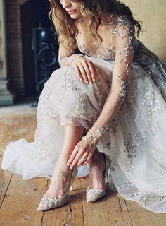 8 Tips For Flawless Wedding Shoe Shopping - Bridal Musings - BellNop Yosamornsoonthorn - Damen Hochzeitskleid and Schuhe! Bridal Musings, Bridal Shoes, Bridal Gowns, Wedding Dresses, After Wedding Dress, Wedding Boots, Fuchsia, The Dress, Luxury Wedding