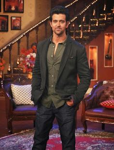 Hrithik Roshan Promoting Krrish 3 on Comedy Night With Kapil.