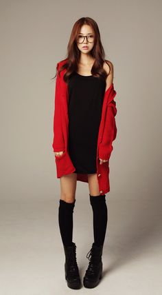 Very cute sarangseureowo~ Karen ❤ Red is such a perfect color