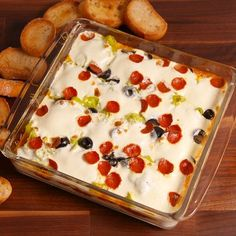 Seven Layer Dip This pizza seven-layer dip is the cheesiest party appetizer you'll ever have. Get the recipe at .This pizza seven-layer dip is the cheesiest party appetizer you'll ever have. Get the recipe at . Finger Food Appetizers, Yummy Appetizers, Appetizers For Party, Appetizer Recipes, Dinner Recipes, Pizza Dip Recipes, Cheap Appetizers, Chip Dip Recipes, Seafood Appetizers