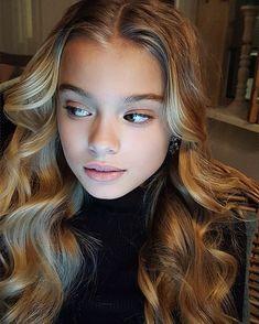 Teen Haircuts, Teen Hairstyles, Young Models, Child Models, Preteen Girls Fashion, Girl Fashion, Beautiful Little Girls, Pretty Girls, G Hair