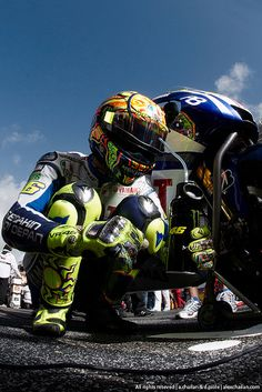 Photo of Vale 46 for fans of Valentino Rossi 33017035 Motogp Valentino Rossi, Valentino Rossi 46, Ducati, Gp Moto, Motorcycle Racers, Biker Boys, Super Bikes, My Ride, Sport Cars