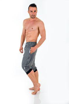 sarouel rayé gris et blanc géronimo  http://www.reservoir-mode.com/boutique/collections-sous-vetement-homme/tenue-interieur-pyjama-homme/geronimo/pantalon-detente-court-1277lp2-p-2402.html