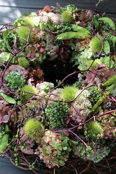 Hottest Pictures spring Funeral Flowers Thoughts Regardless of whether that you are arranging or maybe going to, funerals will always be a somber and often dem. Wreaths And Garlands, Flower Garlands, Fall Wreaths, Flower Decorations, Christmas Wreaths, Christmas Decorations, Deco Floral, Arte Floral, Funeral Flowers