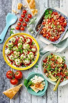 Meine 3 liebsten Tomatensalate für den Sommer. Schnelle Rezepte, die garantiert der ganzen Familie schmecken.   GourmetGuerilla´s Foxy Food Bruschetta, Cobb Salad, Salad Recipes, Ethnic Recipes, Food, Gourmet, Fruit Recipes, Gluten Free Recipes, Chef Recipes