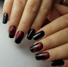 Nail Art magnetic designs for fascinating ladies. Black Nail Art, Black Nail Polish, Black Nails, Winter Nail Art, Autumn Nails, Winter Nails, Classy Nail Designs, Best Nail Art Designs, Fabulous Nails