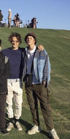 Beautiful Boys, Pretty Boys, Beautiful People, Skater Boys, Mode Streetwear, White Boys, Attractive Men, Cute Guys, Boy Fashion