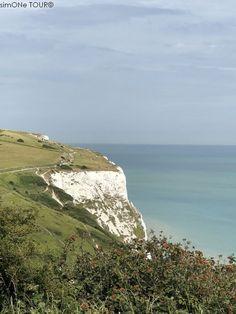 Lies im Blog über unseren Urlaub im Südosten Englands in den Grafschaften East Sussex und Kent, über unser Cottage und die Dinge, die wir gesehen und erlebt haben. Lass dich für deinen eigenen Urlaub inspirieren. Rudyard Kipling, National Trust, East Sussex, Churchill, White Cliffs Of Dover, Mountains, Water, Outdoor, Trench