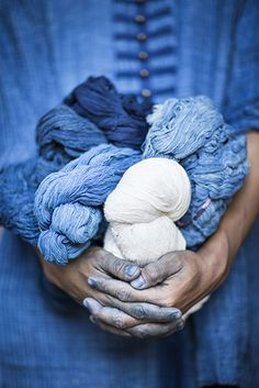 DIY your photo charms, compatible with Pandora bracelets. Make your gifts special. Make your life special! Gypsy Janpengpen, an Indigo-dyer from Sakon Nakhon, holding balls of indigo yarn. Azul Indigo, Bleu Indigo, Mood Indigo, Indigo Dye, Indigo Colour, Cobalt Blue, Blue Green, Blue And White, Cerulean