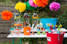 Los sábados son para disfrutar al máximo!! Alegra tu fin de semana y aprovecha cualquier excusa para celebrar con amigos y lucir tus nuevos vasos y hielera full color!!