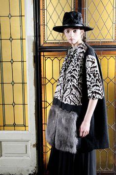 Antonio Marras Pre-Fall 2016 Fashion Show Fall Fashion 2016, Fashion Week, Runway Fashion, Fashion Show, Autumn Fashion, Fashion Design, Fashion Ideas, Antonio Marras, Textiles