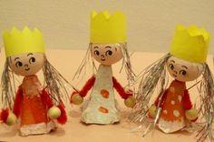 Tři králové - dvě provedení Christmas Crafts For Kids, Kids Crafts, Arts And Crafts, Christmas Ornaments, Recycled Art, Clipart, Recycling, 1, Activities