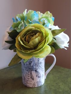 Hey, I found this really awesome Etsy listing at https://www.etsy.com/listing/464742600/small-flower-arrangement-get-well