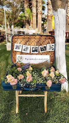 DIY wedding decoration with vintage luggage. # düğün DIY Wedding Decor with vintage luggage . DIY wedding decoration with vintage luggage. Diy Wedding Flowers, Wedding Reception Decorations, Wedding Themes, Wedding Table, Wedding Colors, Rustic Wedding, Wedding Photos, Wedding Photo Displays, Garden Wedding
