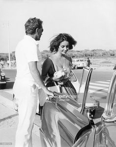 http://media.gettyimages.com/photos/liz-taylor-and-richard-burton-in-rome-1962-picture-id549011375