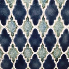 Such a #timeless #mosaic #tile shape - and perfect for #MosaicMonday! Whether you call them #Arabesque or lantern #patterns these #glasstile beauties from @artistic_tile spotted by @versatile_and_stone exude #luxury! // #artisan #bathroom #backsplash #decor #design #home #homedecor #homeinspo #interiors #instahome #interiordesign #idcdesigners #kitchen #stylish #tilestyle #tiledesign #tiled #tileometry #tileaddiction #tileporn #wall #walldecor by tileometry