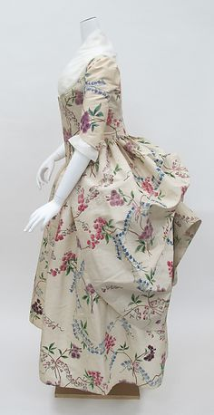 Robe à la Polonaise Date: ca. 1780 Culture: French Medium: silk Accession Number: 1976.146a, b (This can be reproduced with my Ladies' 1780s Portrait Dress pattern - http://sensibility.com)
